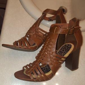 Block heel Brown leather gladiator sandals.